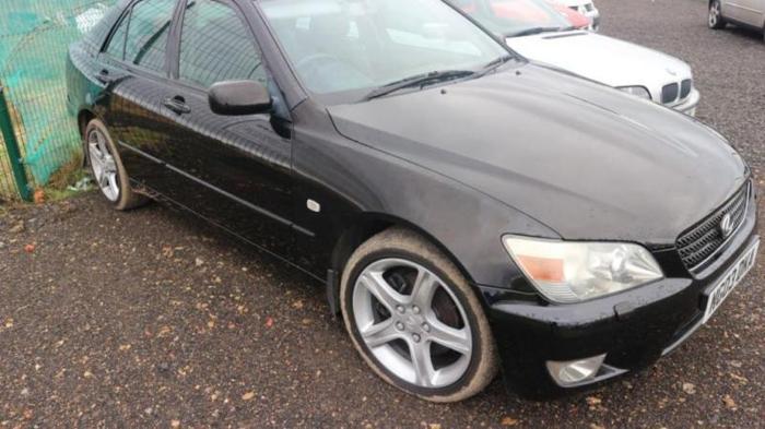 2003 03 LEXUS IS 2.0 200 SE 4D 153 BHP