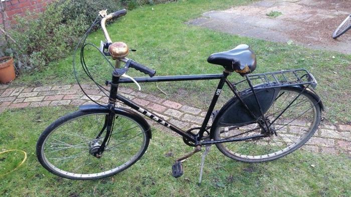 26 inch Bronx Regal bike: hub brakes, 3 speed