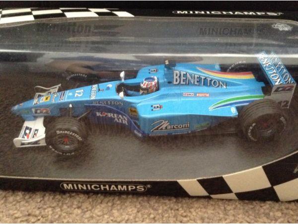 2 benneton F1 1:18 die cast cars