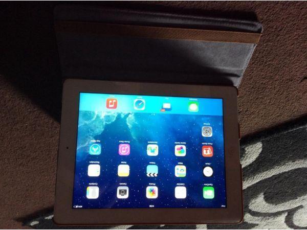 4g wifi iPad 2 mint in white bargain