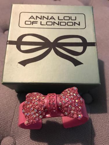 Anna Lou woman's bracelet