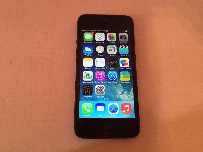 Apple iPhone 5 - 16Gb- On O2-Tesco-giffgaff