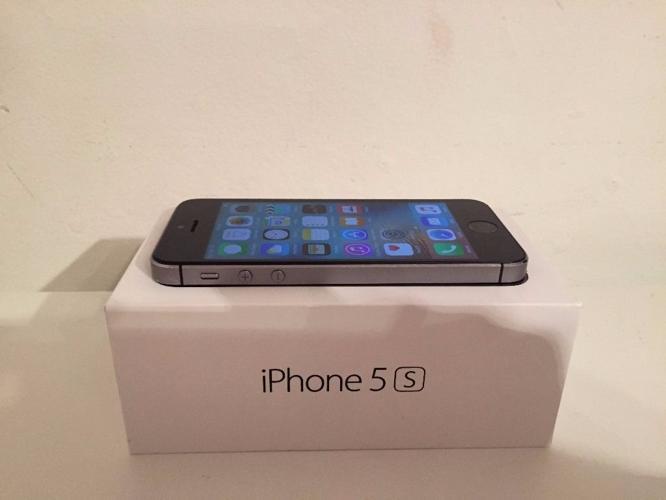 Apple iPhone 5s - 16Gb - on EE-ORANGE-T MOBILE