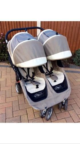 Baby Jogger City Mini Double.