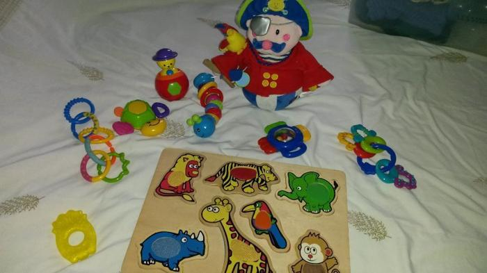 Baby toy bundle includes 10 toys