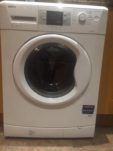 Beko washing machine 1400 rpm 8kg spares or repair