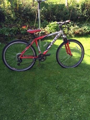 Bicycle £40: Boys Trek 4500, 42 inch frame, 26 inch