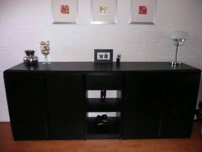 Black cabinet in good condition (126*54*93 cm)
