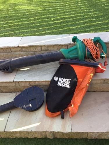 Black & decker leaf blower / vac