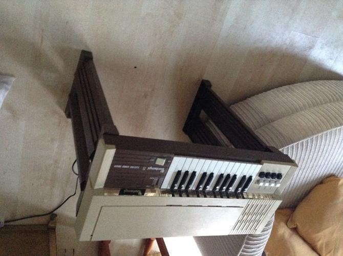 Bontempi 5 children's electric organ 1970s