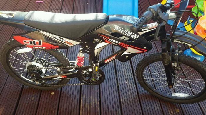 Boys Moto flite bike 20 inch