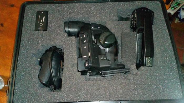 Canon C100 Mkii + Extras