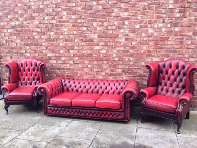 Chesterfield pair of chairs and sofa