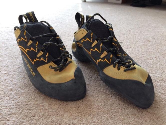 Climbing shoes La Sportiva lace ups. Size UK 7