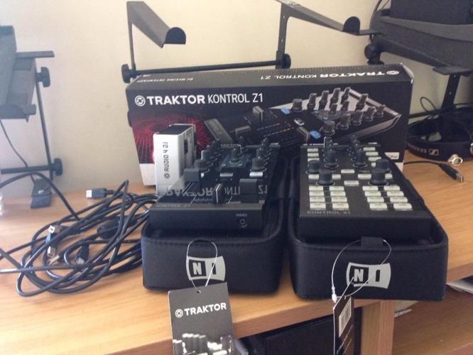 Complete TRAKTOR Kontrol Equipment DJ Controller