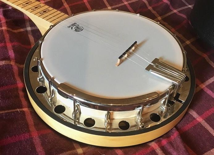 """Deering """"Goodtime 2"""" Five string banjo and hard case"""