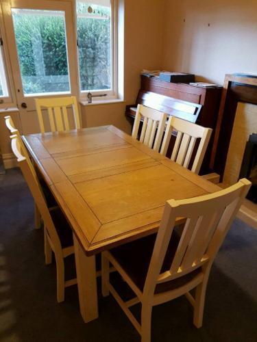 Dining table with 6 chairs and Welsh dresser