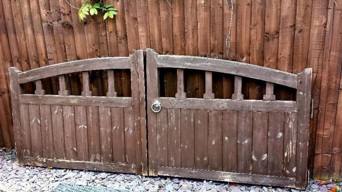 DRIVEWAY GATES - Grangewood Fencing Hardwood Solid