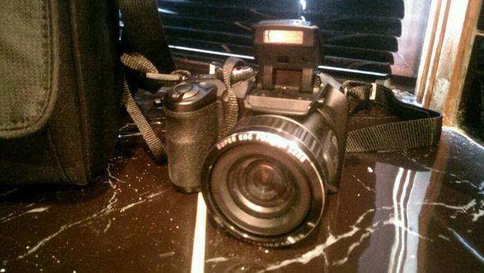 Finepix S6800 camera. 30x optical zoom Full Hd