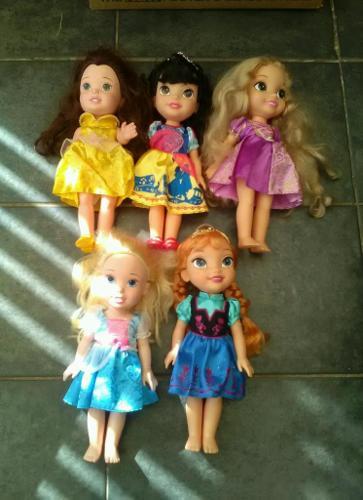 Five large Disney Dolls 14
