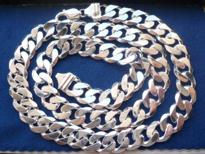 For Sale Silver Chain 925 -- 75 Grams