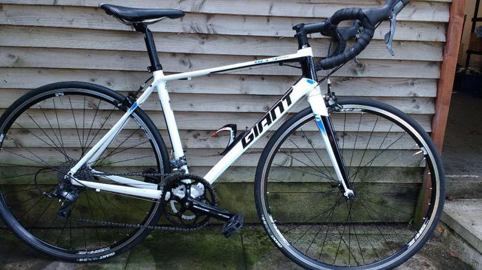 Giant Defy as new size M used twice!