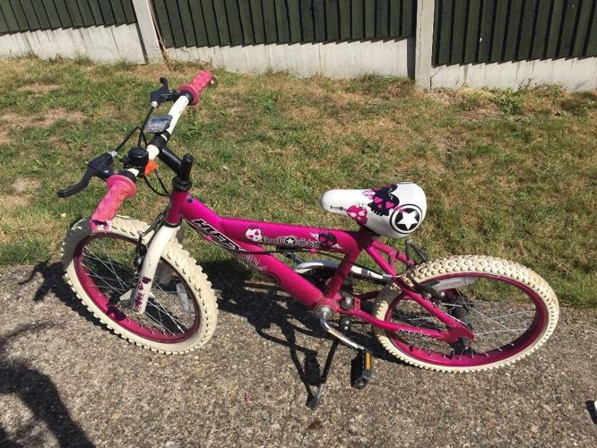 Girl's bike 18