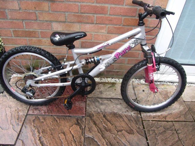 girls 20 inch wheeled apollo pure bike £30.00
