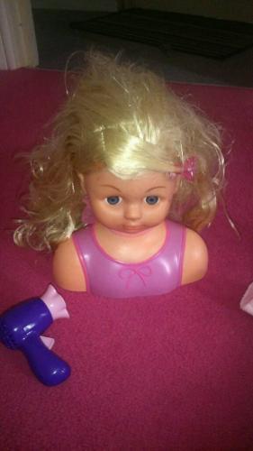 Girls doll styling head