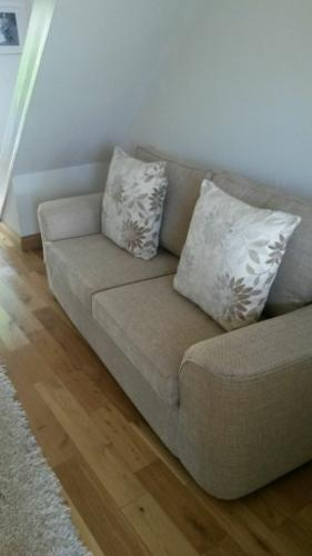 ***gorgeous 3 seater sofa from BHS Brand new***
