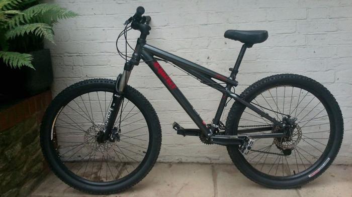 GT Chucker Dirt Jump Bike: 16
