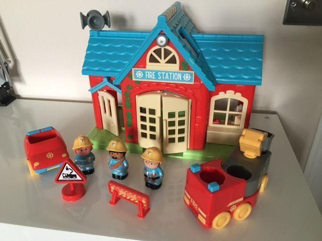Happyland Fire station toy set