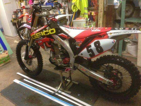 Honda Crf 450 Motocross Bike - Superb Condition lots of