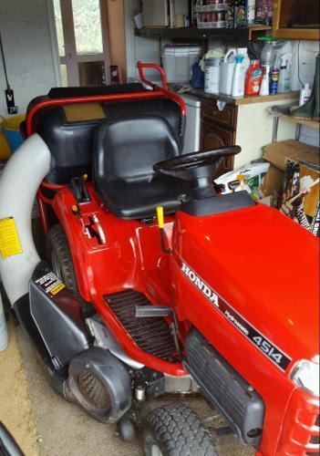 Honda hydrostatic mower