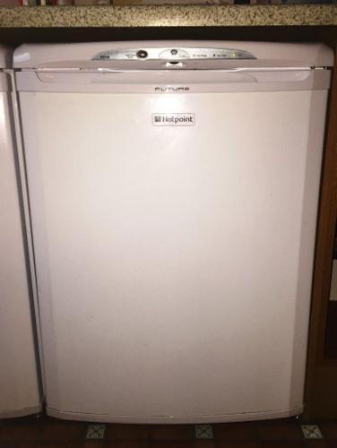 Hotpoint RZA36P Under Counter Freezer - Polar White