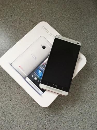 HTC ONE M7 fully unlocked simfree 32GB