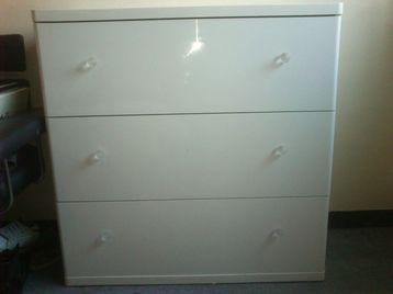 Ikea Vinstra 3 draw chest of draws