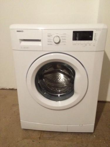 Immaculate 60cm BEKO Free Standing Washing Machine