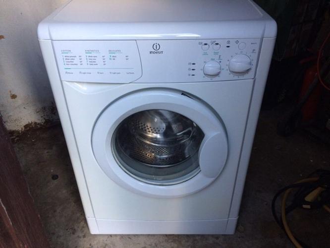 Indesit 7kg 1300 spin washer