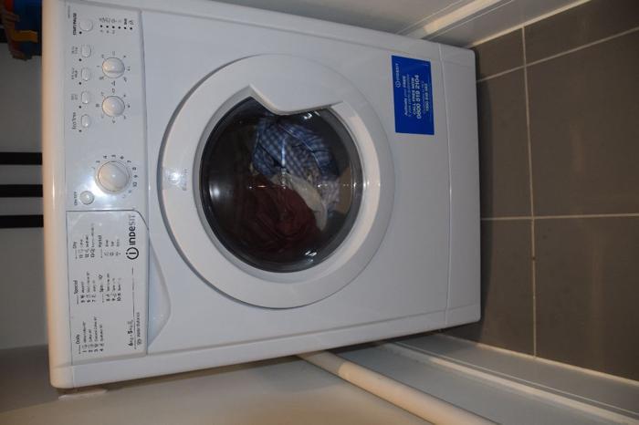 Indesit Washer Dryer - Model IWDC6125 - Hardly used as