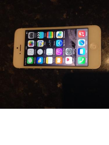 Iphone5 silver 16gb for sale mint condition not a mark