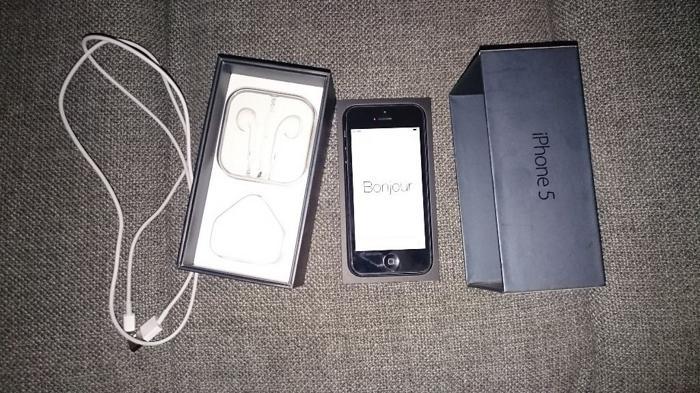 iphone 5 16 gb black exellent contition unlocked