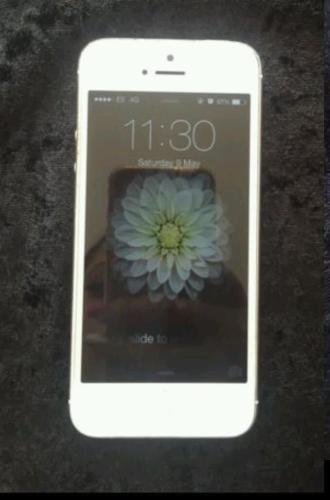 IPhone 5, charging case, docking station