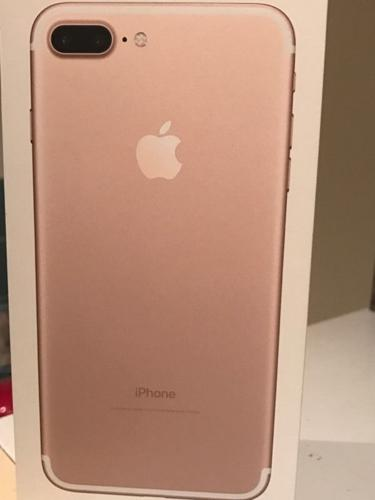 iPhone 7 plus 256 GB in gold on EE