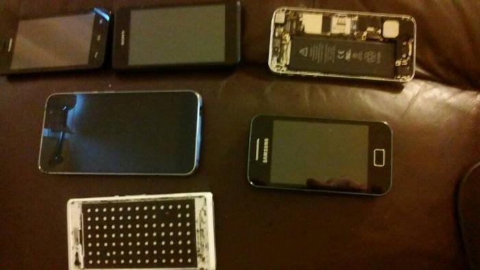 Joblot of phones spares or repairs