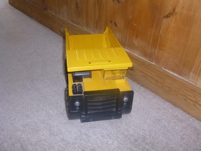Jumbo Dumper =dump truck toy