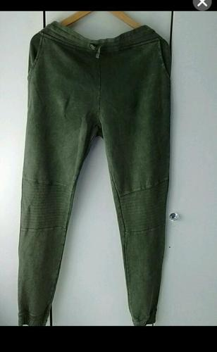 Ladies green joggers nwt