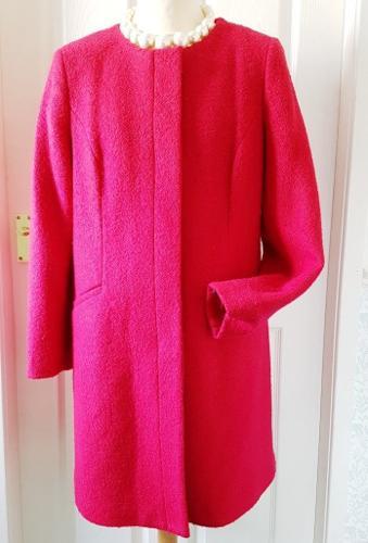 Ladies Red M & Co Winter Coat Size 16 - VGC!