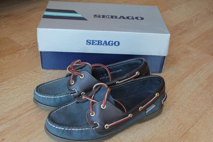 Ladies Sebago Docksides (Size 4.5)
