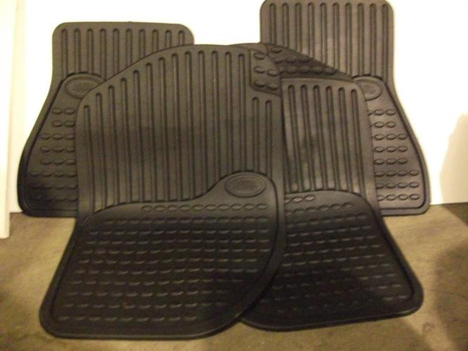 LANDROVER FREELANDER RUBBER CAR MATS